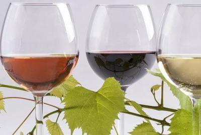 Bellini – przepis na koktajl z winem