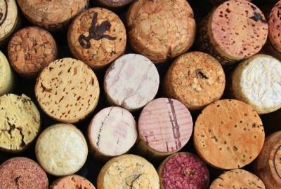 Czy wina z metalową nakrętką są złe?
